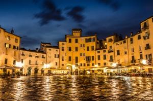 Lucca- Piazza di Anfiteatro